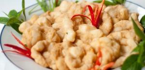 Chả mực giã tay - món ăn ngon không thể bỏ qua khi tới thăm Quảng Ninh