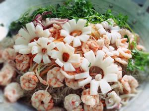 Miến trộn tôm mực Thái Lan ngon tuyệt