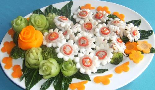 Mực xào hoa cúc đẹp mắt ngon miệng