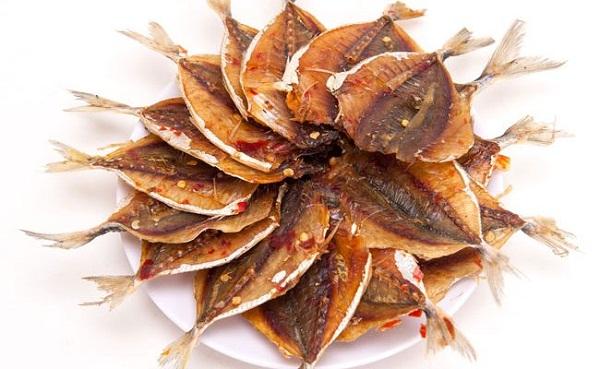 Cá chỉ vàng muối ớt có vị cay đậm thơm ngon khó cưỡng